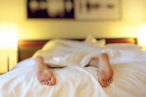 Простой лайфхак, который подарит вам крепкий сон в номере отеля