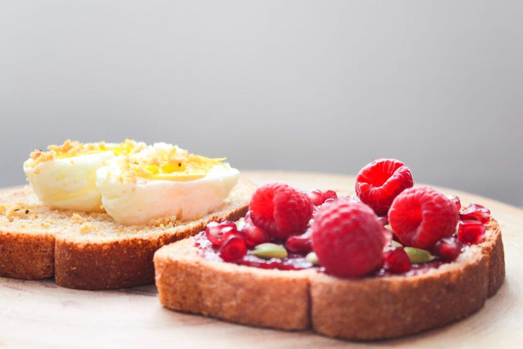 6 идей завтраков для тех, кого утром тошнит
