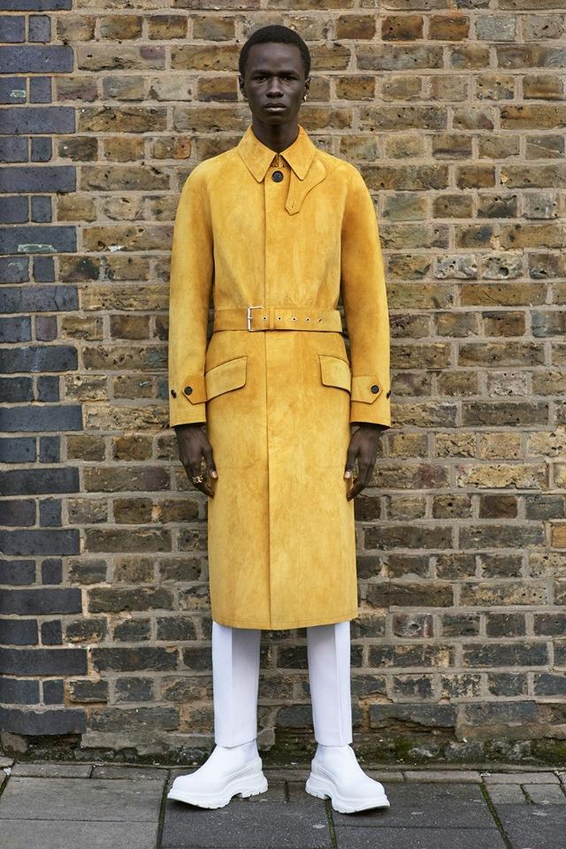 Британские ландшафты и модер: Alexander McQueen представляет линейку