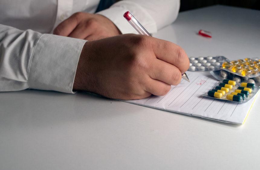 Почему у большинства врачей неразборчивый почерк?