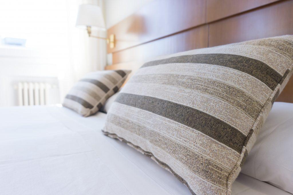 2-секундный способ выяснить, истёк ли срок службы вашей подушки