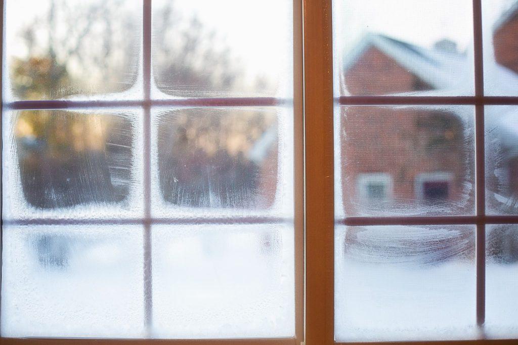 Как часто и как правильно проветривать дом зимой?