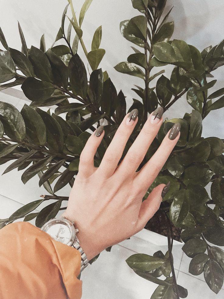Антитренды маникюра: какие дизайны не стоит делать на ногтях?