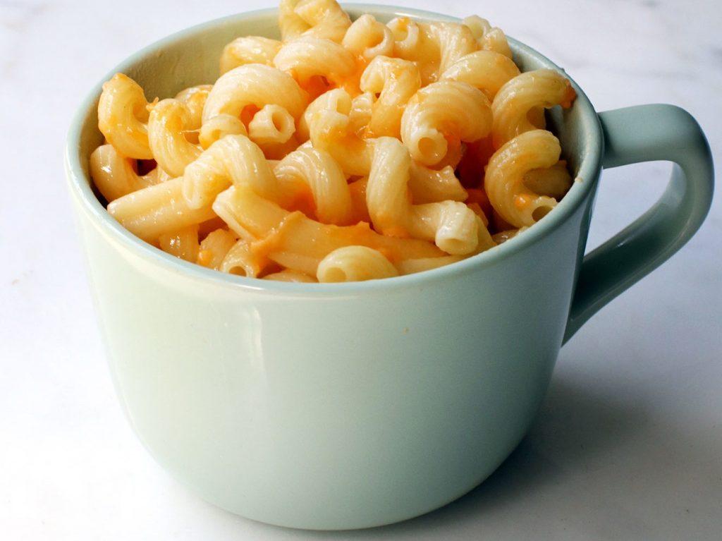 Минимальные усилия: рецепт макарон с сыром в микроволновке