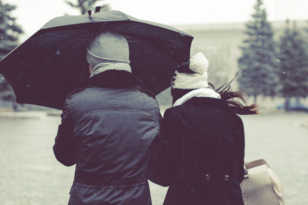 Пары в 2 раза чаще думают о расставании в период с января по февраль