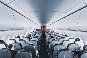 Золотые правила этикета: как лучше опускать спинку кресла в транспорте?