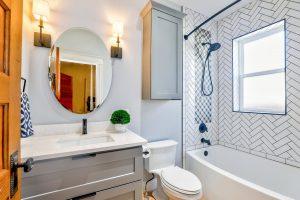 Одно место в ванной, которое большинство людей забывает почистить