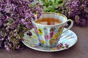 Трудный день? Рецепт чая из трав, который снимет напряжение