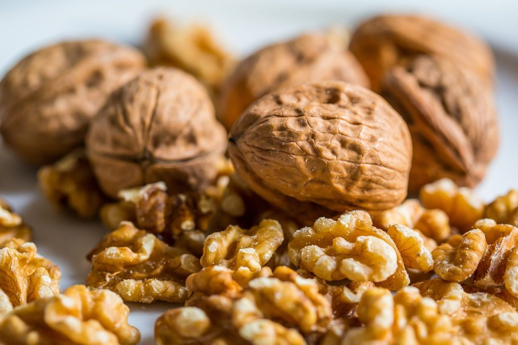 От болезней сердца и не только: в чём польза грецких орехов?