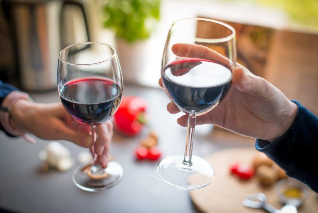 Красное вино помогает похудеть?