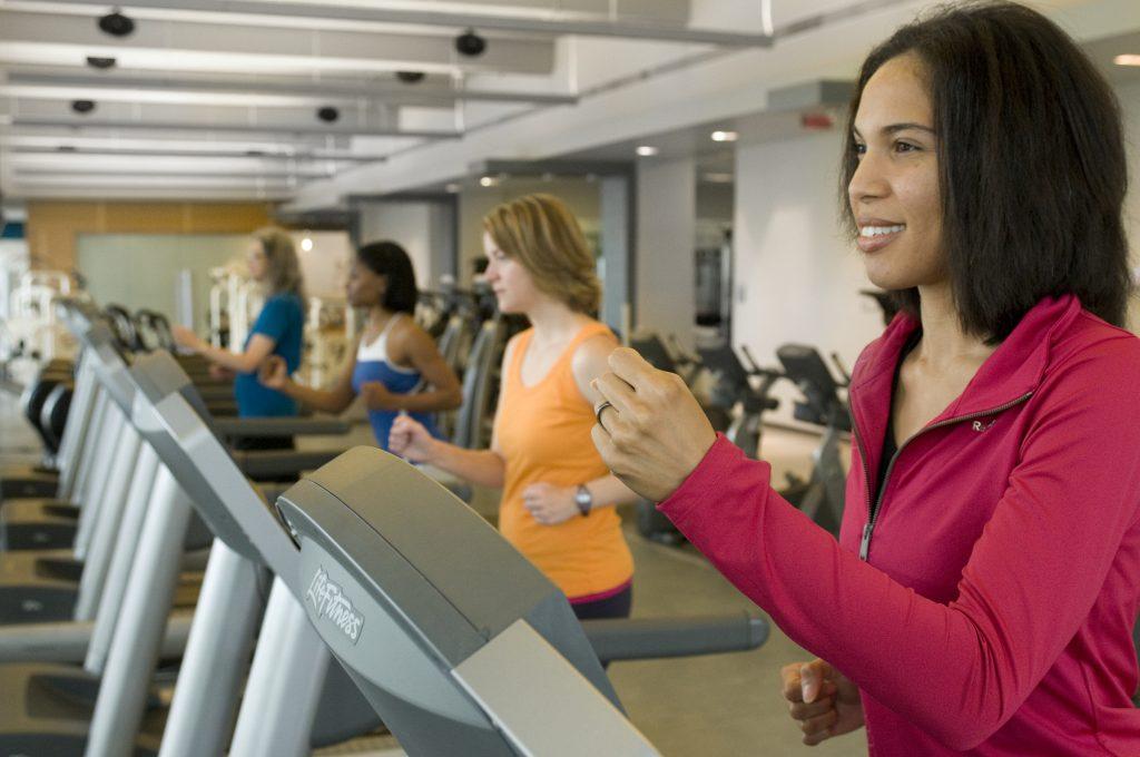 Сколько минут заниматься на беговой дорожке, чтобы сбросить лишний вес?