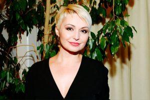 Катя Лель впервые в жизни села на скутер