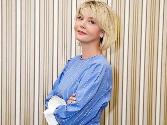 Юлии Меньшовой подарили её кукольную копию
