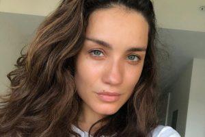 Виктория Дайнеко предстала на новом снимке в соблазнительном наряде