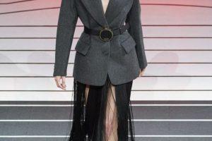 Сила и женственность: новый лозунг Prada на показе в Милане