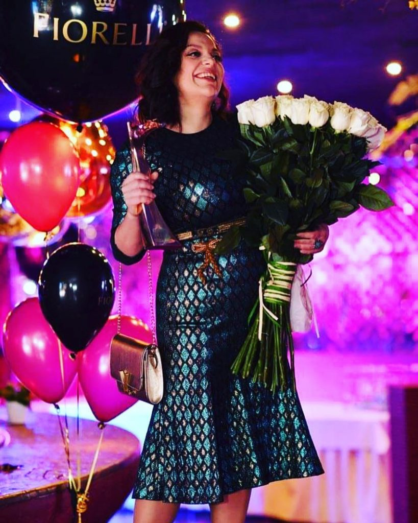 Талантливый человек талантлив во всем: Наталья Холоденко покорила фолловеров своими вокальными данными