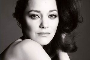 Официально: Марион Котийяр станет лицом Chanel №5