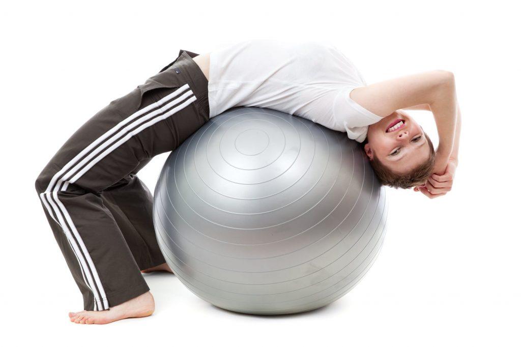 Упражнение от боли в спине, которое советует специалист по массажу