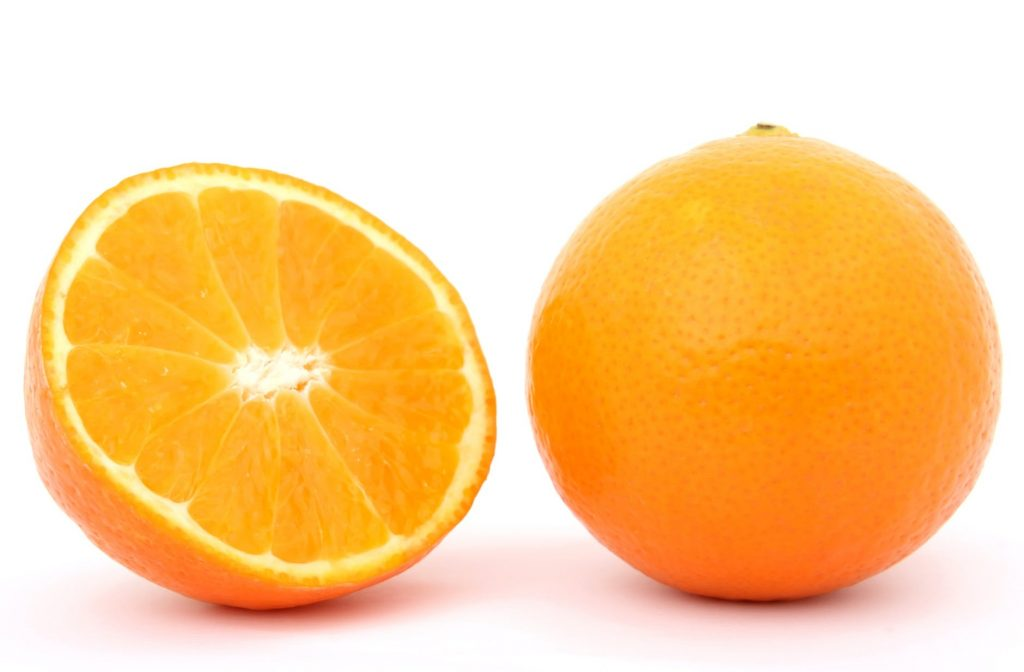 Как из апельсиновой кожуры сделать ароматный очиститель для дома?