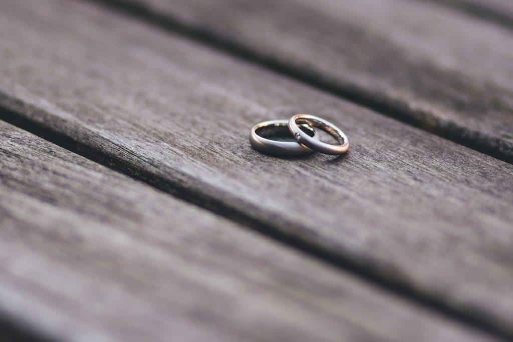 Эксперты объяснили, почему женщины чаще инициируют развод
