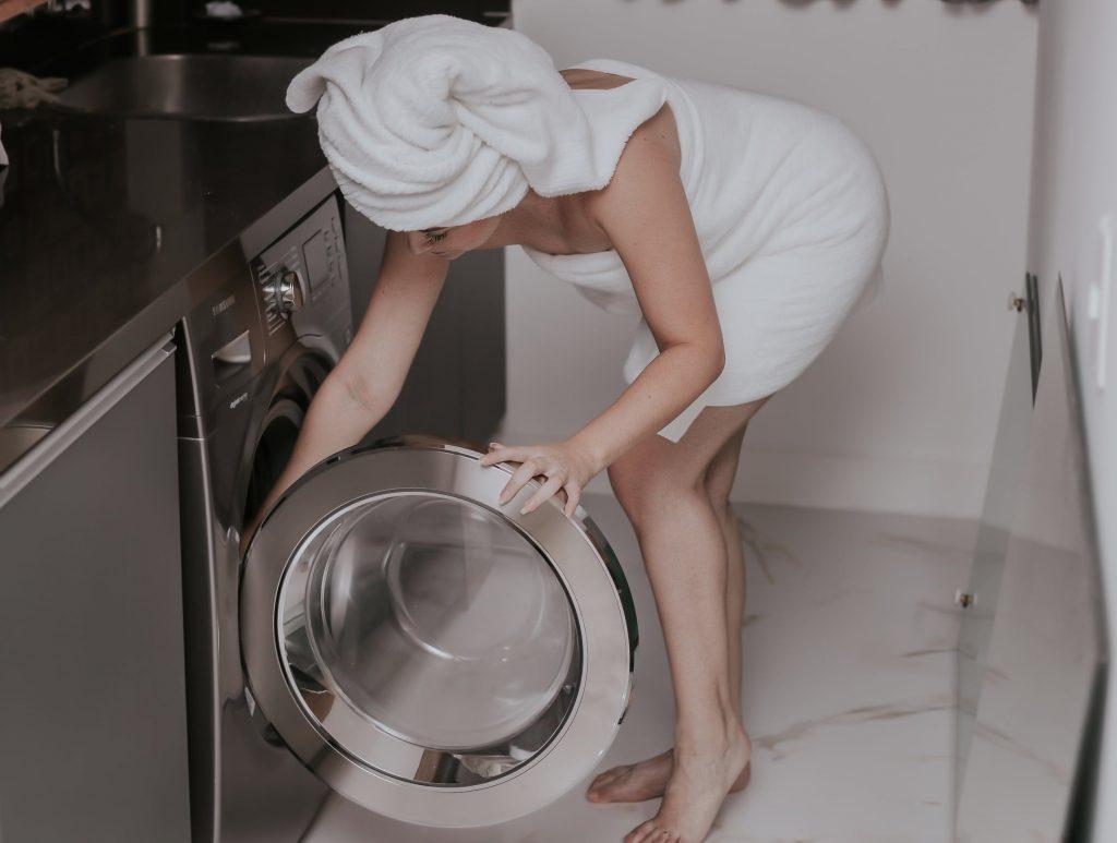 Нужно ли чистить стиральную машину?