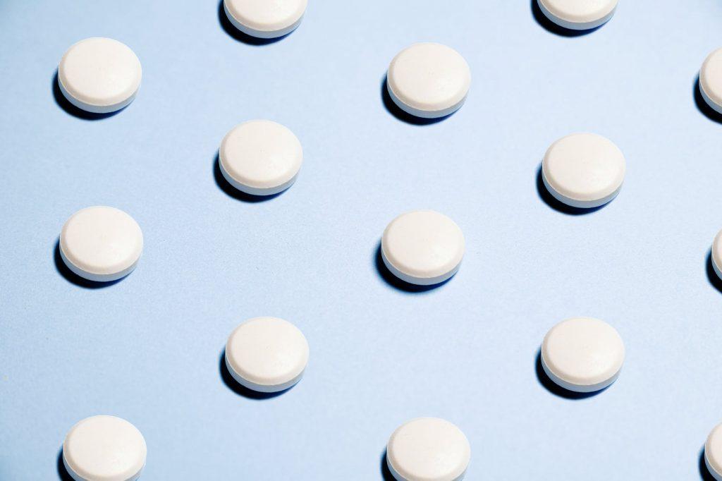 Приём 1 таблетки аспирина в день может быть вредным?