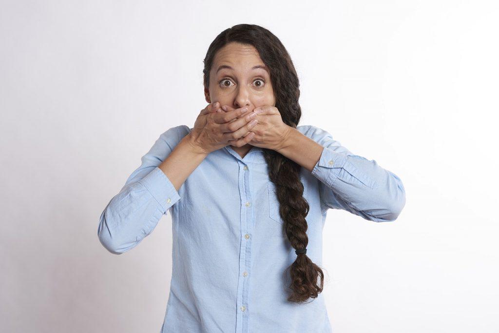 Из-за чего возникает привкус металла во рту?