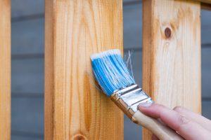 В какой цвет нельзя красить свой дом снаружи?