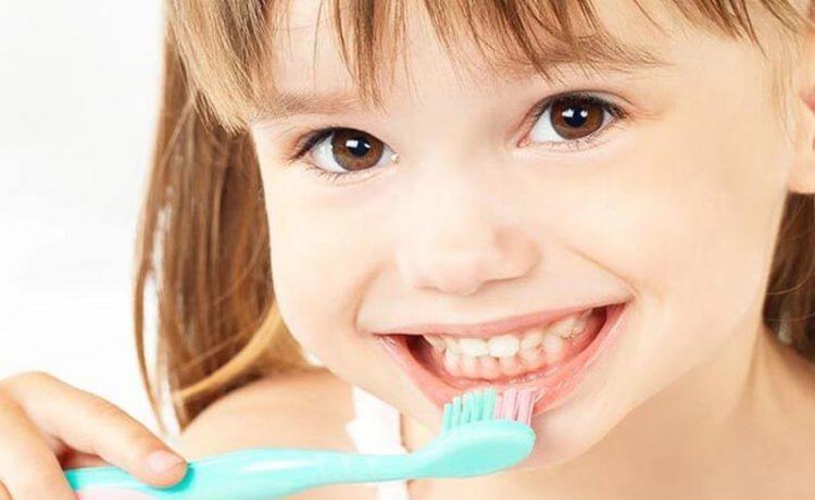 Почему важно следить за здоровьем зубов с детства