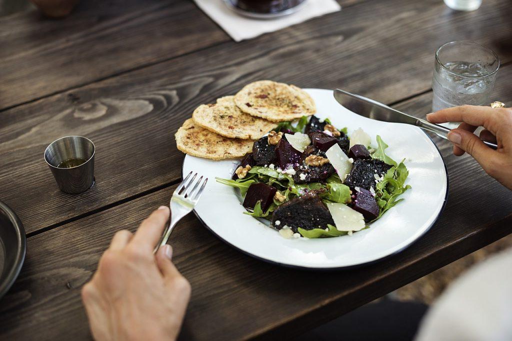 Чтобы начать терять вес, нужно есть больше?