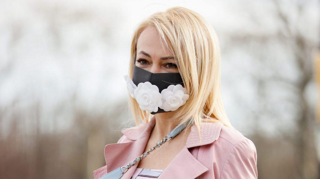 Плагиат: Белла Потемкина использовала дизайнерскую идею Яны Рудковской в создании масок для лица