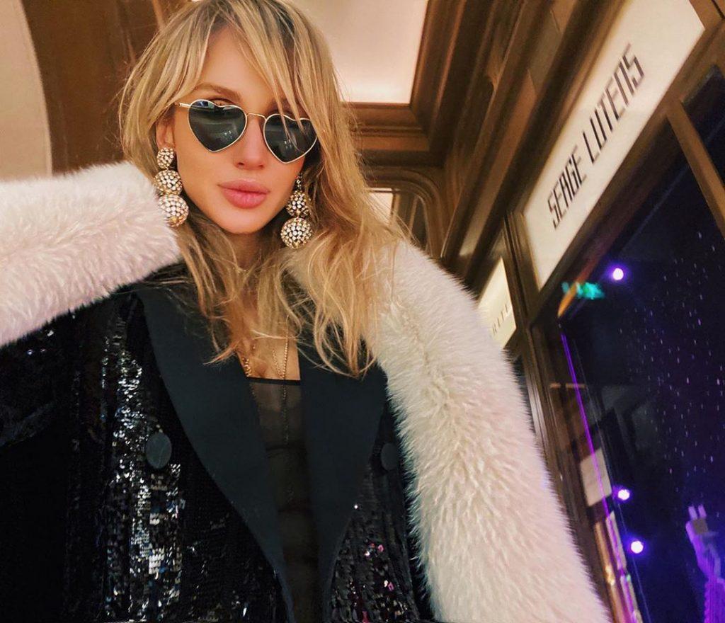 37-летняя Светлана Лобода покоряет Париж своими стильными яркими выходами