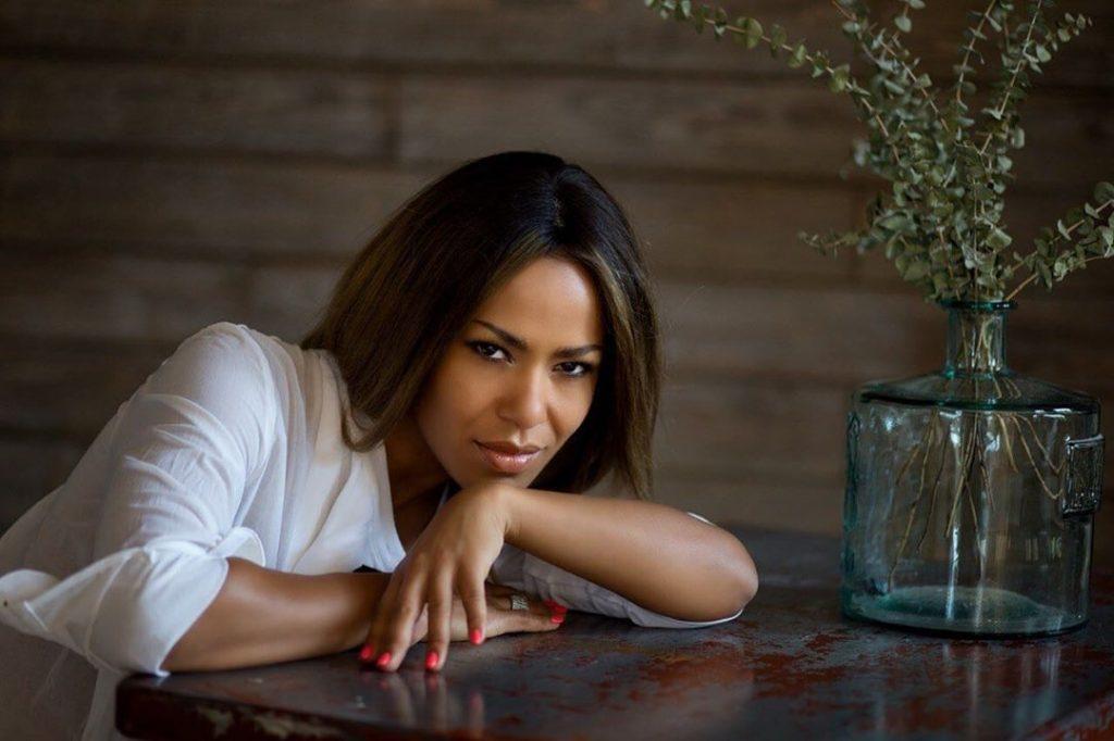 Гайтане-41: певица восхитила поклонников своим внешним видом