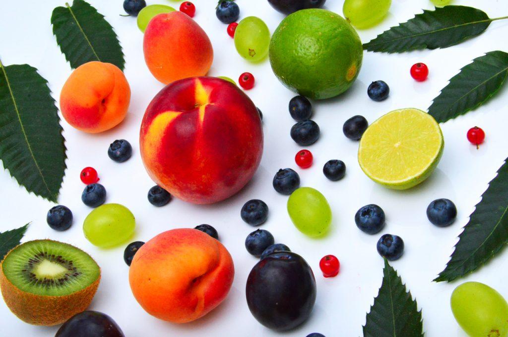 Как правильно есть фрукты, чтобы они приносили пользу?