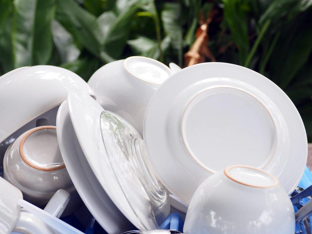 Большинство моющих средств не дезинфицируют посуду: что делать?