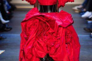 Alexander McQueen предлагает развивать творческий потенциал на карантине