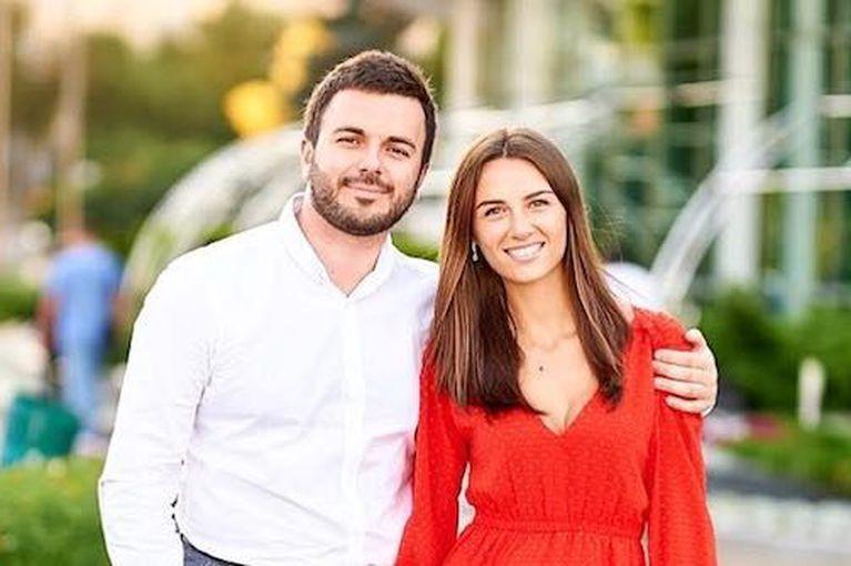 Григорий Решетник и его супруга Кристина продемонстрировали идеальный парный лук