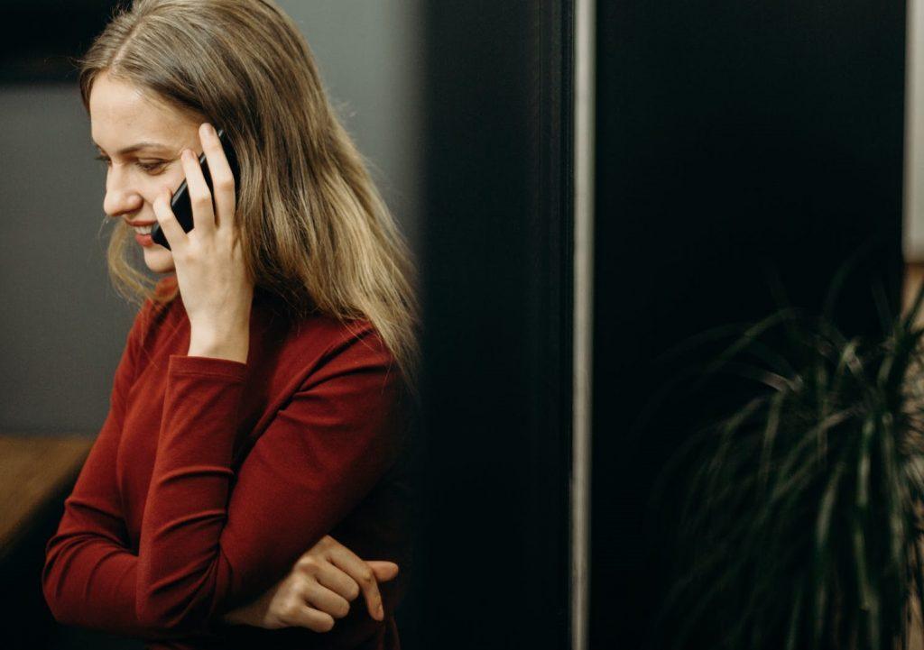 Во время самоизоляции люди поняли важность телефонных разговоров
