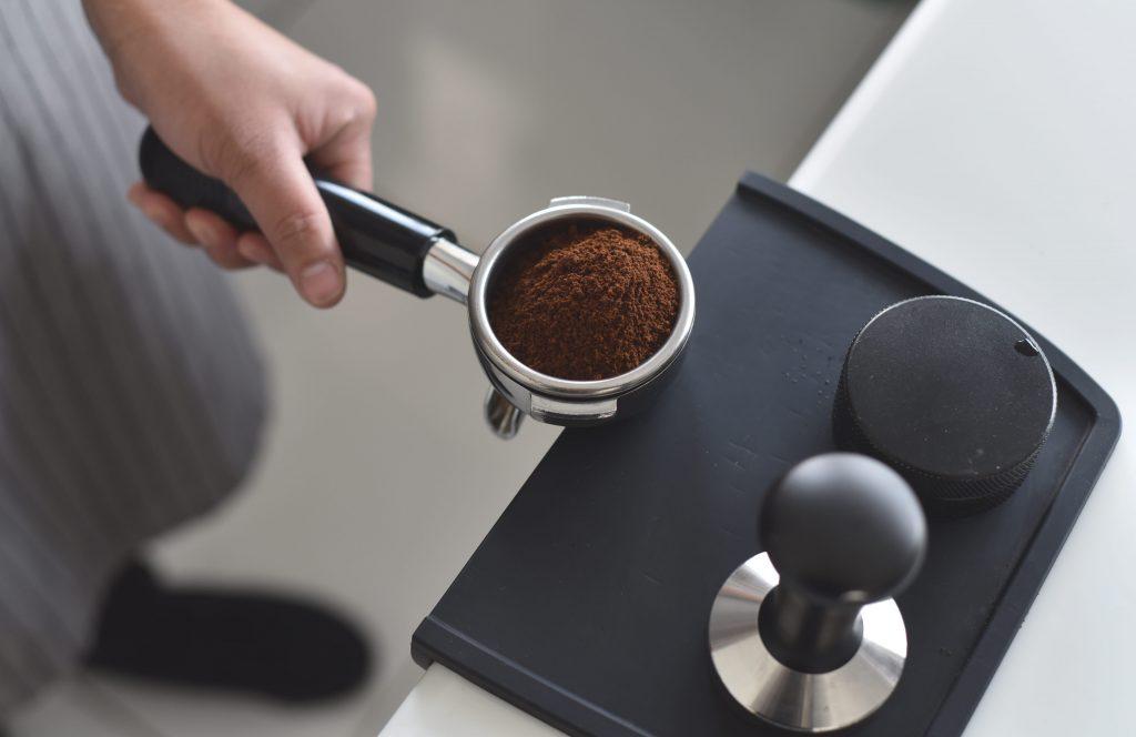 5 креативных способов использовать кофейную гущу в быту