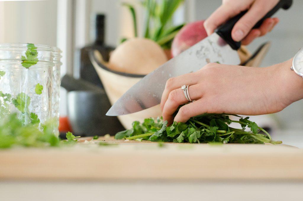 Эксперт сказал, какая зелень полезна для здоровья тела и ума