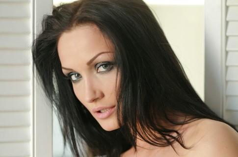 Меседа Багаудинова рассказала, как на карантине приводит свои волосы в порядок