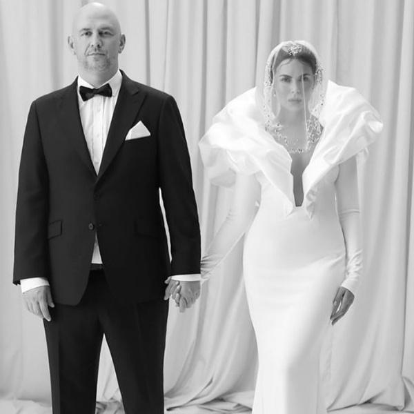 Звездная пара празднует первую годовщину свадьбы
