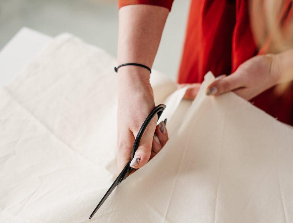 Какие ткани считаются лучшими для самодельных масок?