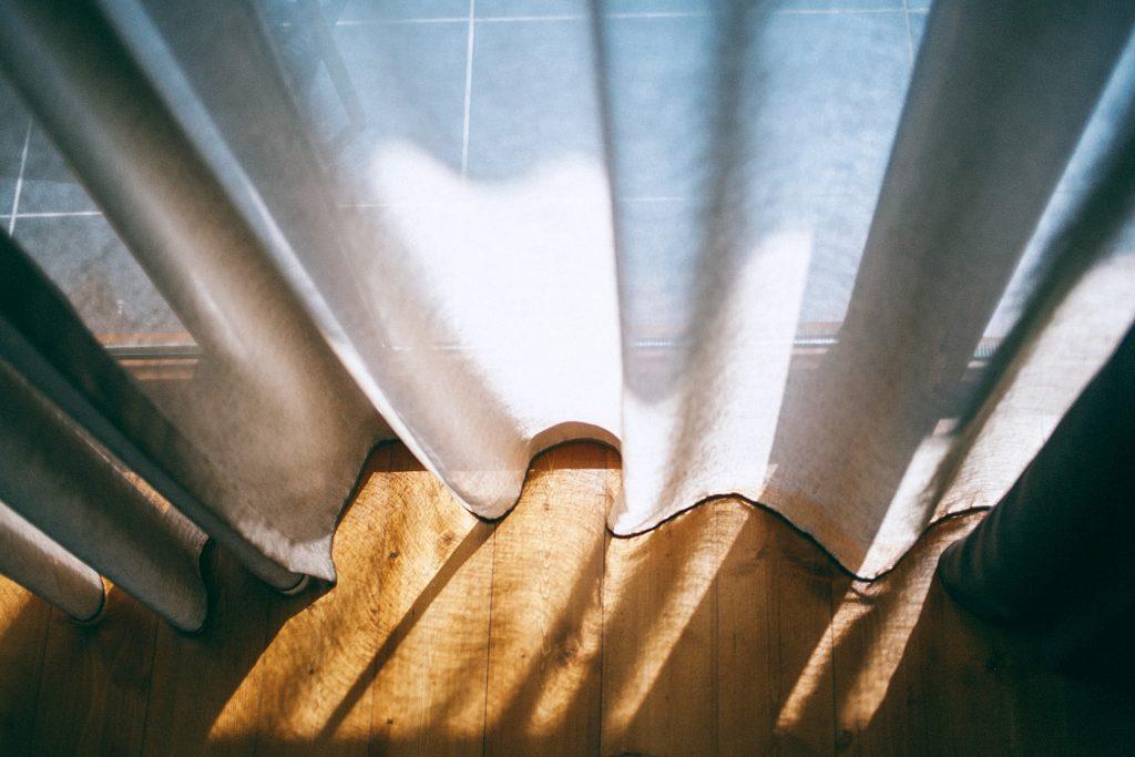 Советы о том, как постирать шторы как профессионал