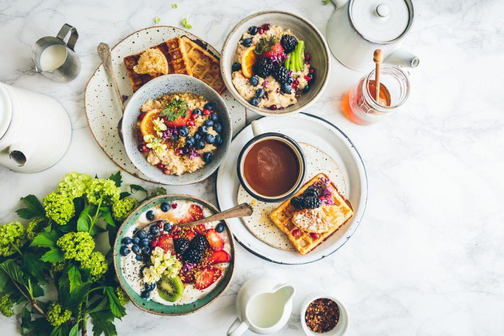 Диетолог назвал самый полезный и богатый клетчаткой завтрак