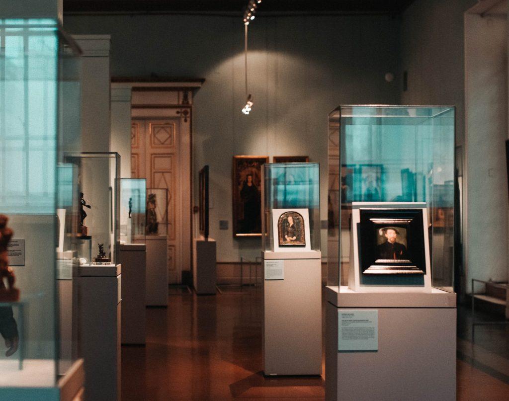 Искусство как на ладони: бесплатные виртуальные туры в музеи мира