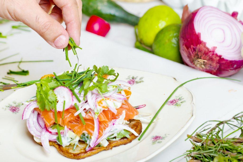 Как похудеть в бедрах с помощью питания: 8 советов, которые работают
