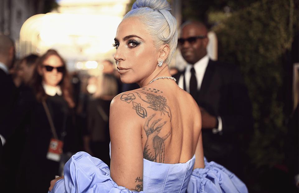 Леди Гага снялась топлес