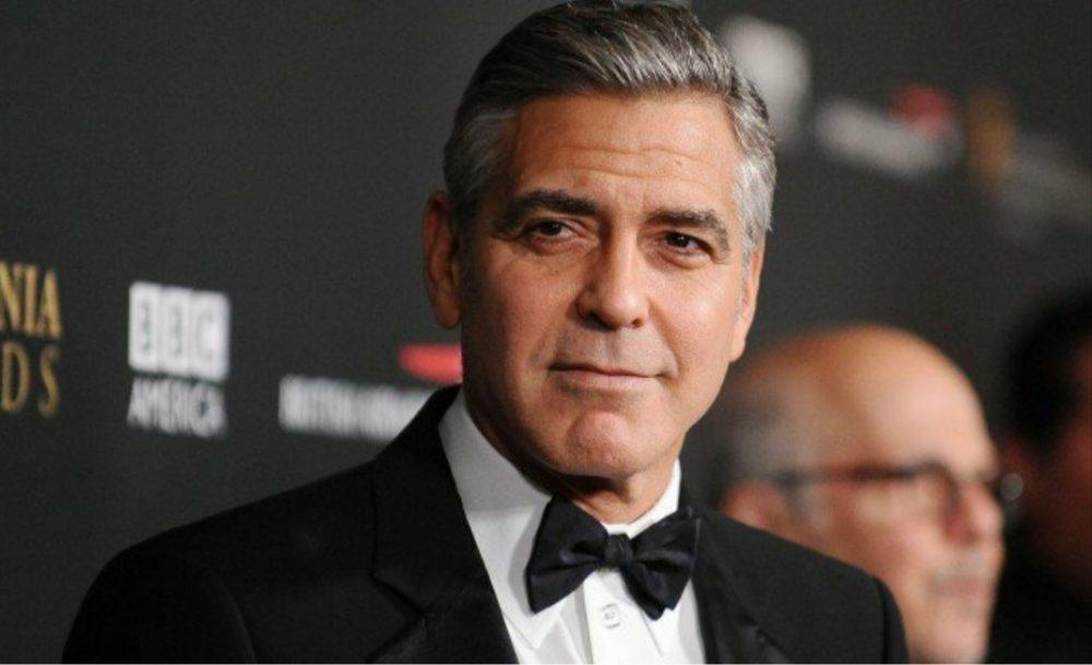 """Джордж Клуни называет расизм - """"пандемией Америки"""""""