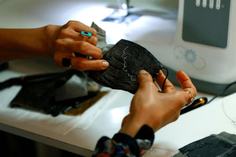 Эко-маски: шеф-повар создает защитные средства из баклажанов